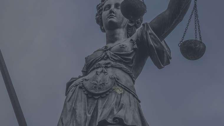 Dizilerdeki avukatlar yanıltıyor! (Yeni Asır)